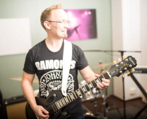 Kitaratunnit aikuisille Espoo